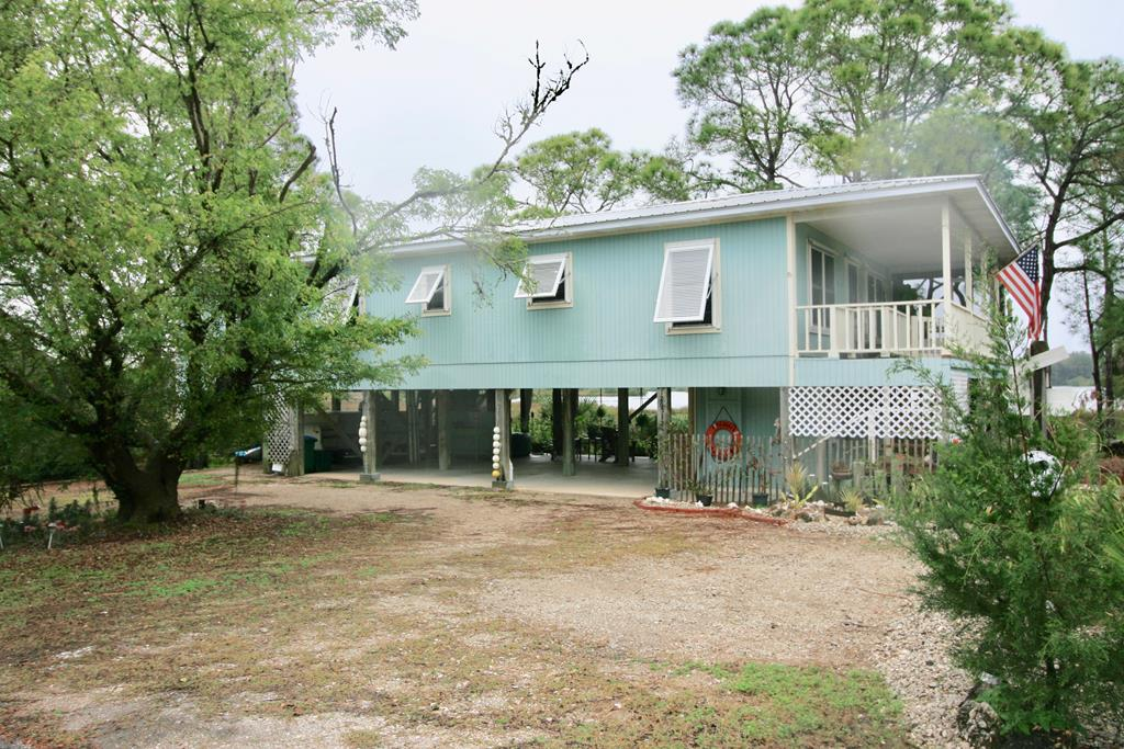 Swell Cedar Key Homes For Sale Real Estate In Cedar Key Florida Home Interior And Landscaping Spoatsignezvosmurscom
